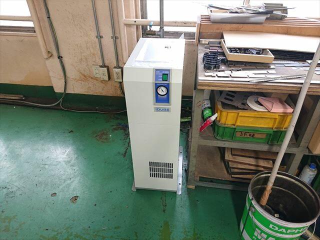 冷凍式エアドライヤ  交換設置